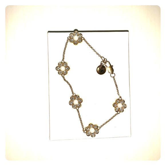Juicy Couture Jewelry - Juicy Couture Gold flower bracelet